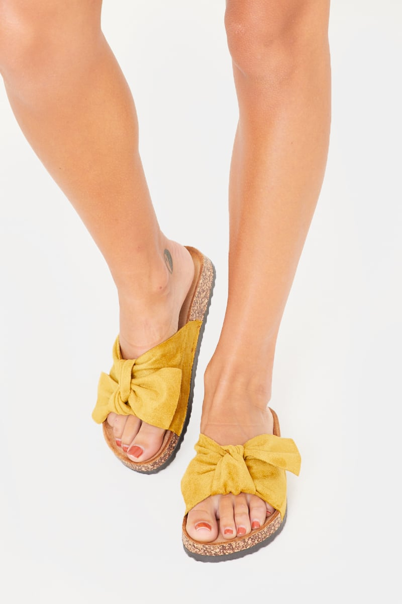 yellow bow detail sliders
