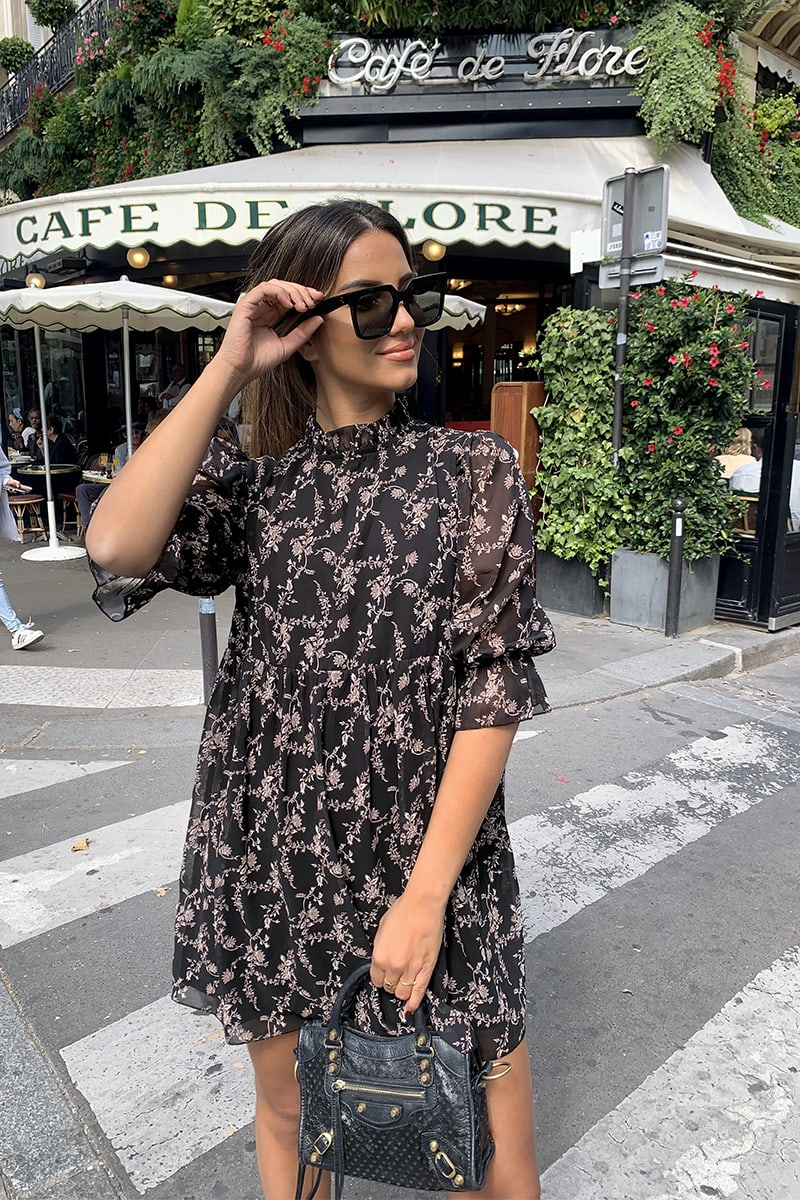 STEPHSA BLACK FLORAL PRINT FRILL COLLAR SWING DRESS