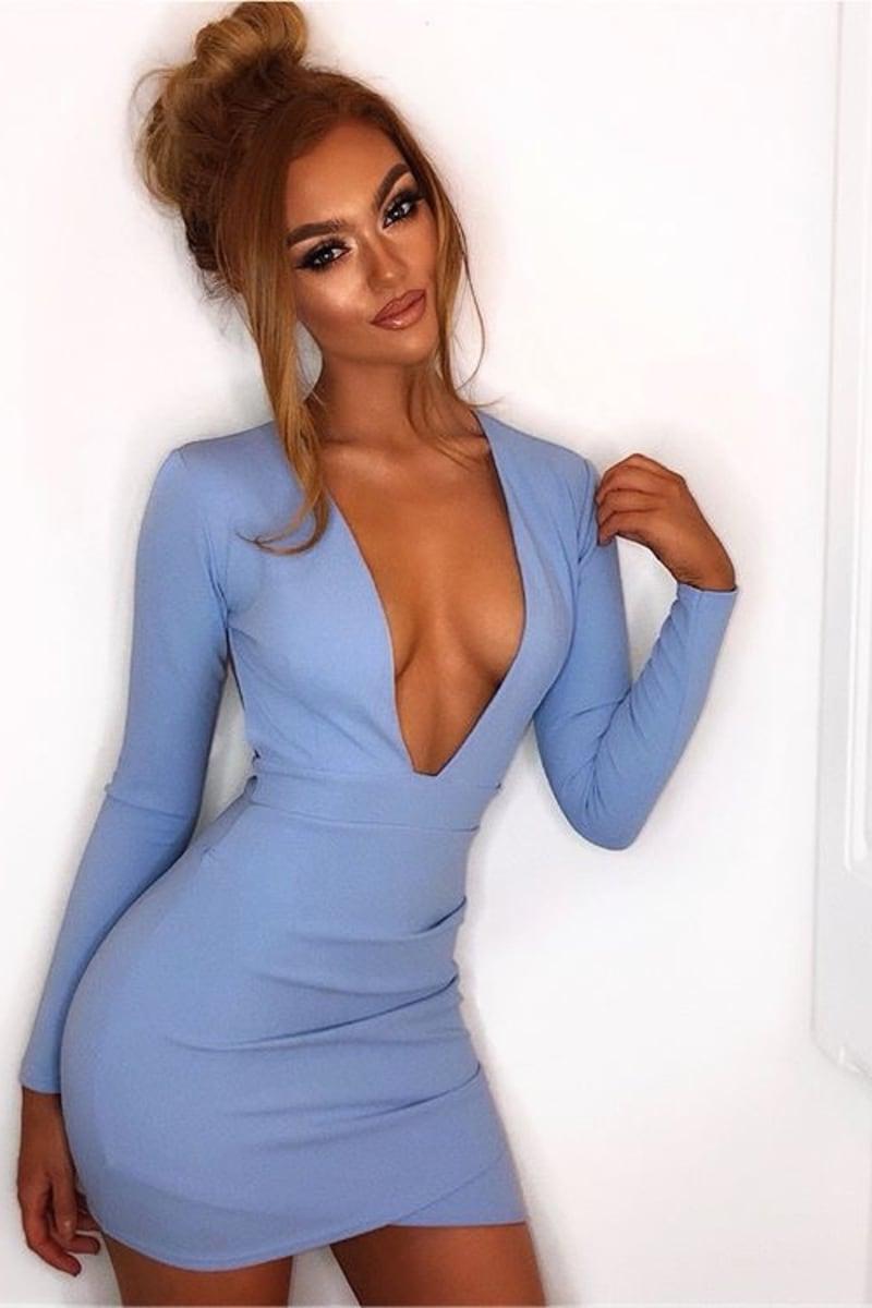 BETSEY BLUE PLUNGE BACKLESS LONG SLEEVE DRESS