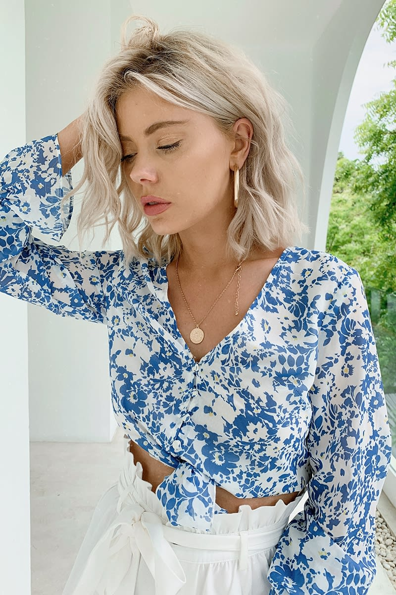 LAURA JADE BLUE FLORAL TIE FRONT FRILL SLEEVE CROP TOP