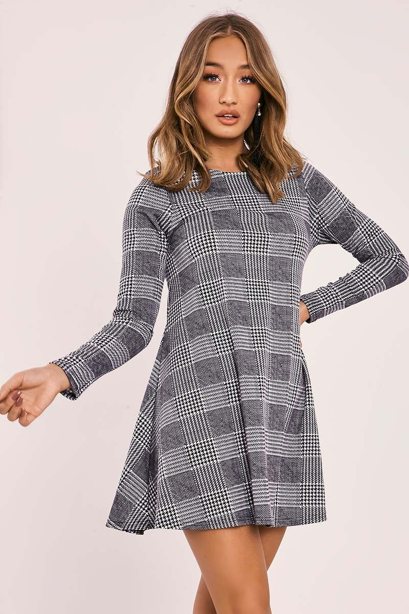 ALEESIA BLACK CHECKED LONG SLEEVE SWING DRESS