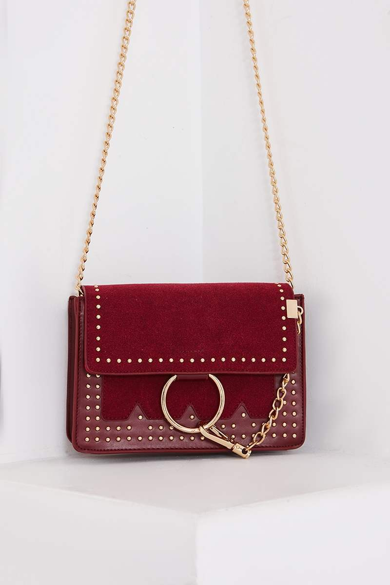 WINE FAUX SUEDE RING CLASP STUDDED BAG