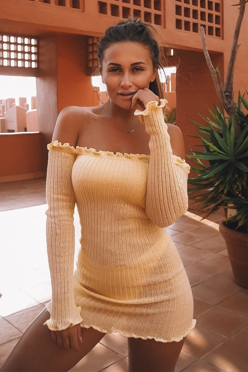 SARAH ASHCROFT LEMON RIBBED RUFFLE LONG SLEEVE BARDOT DRESS