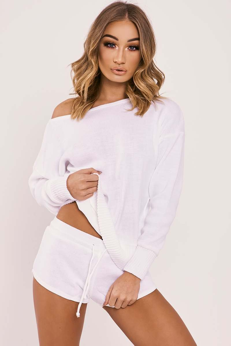 CARRESSA WHITE SLOUCHY JUMPER & SHORTS KNITTED LOUNGEWEAR SET