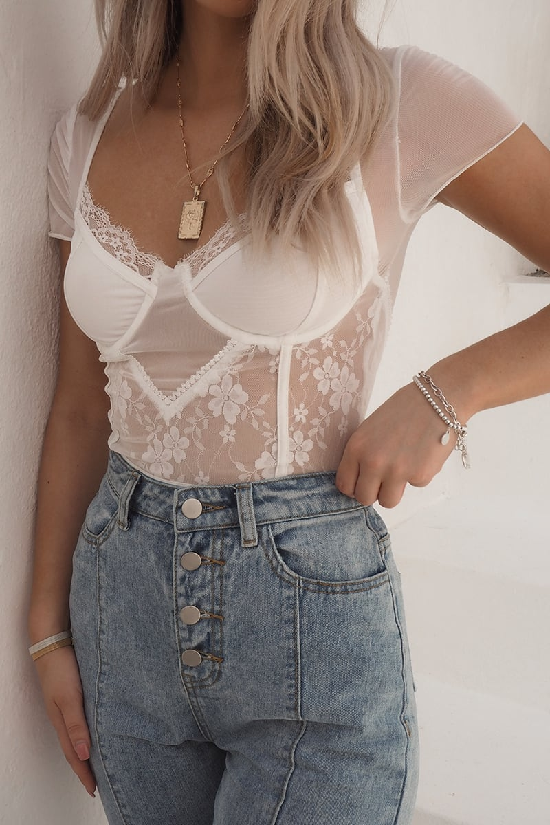 FASHION INFLUX WHITE MESH LACE CUPPED SHORT SLEEVE BODYSUIT