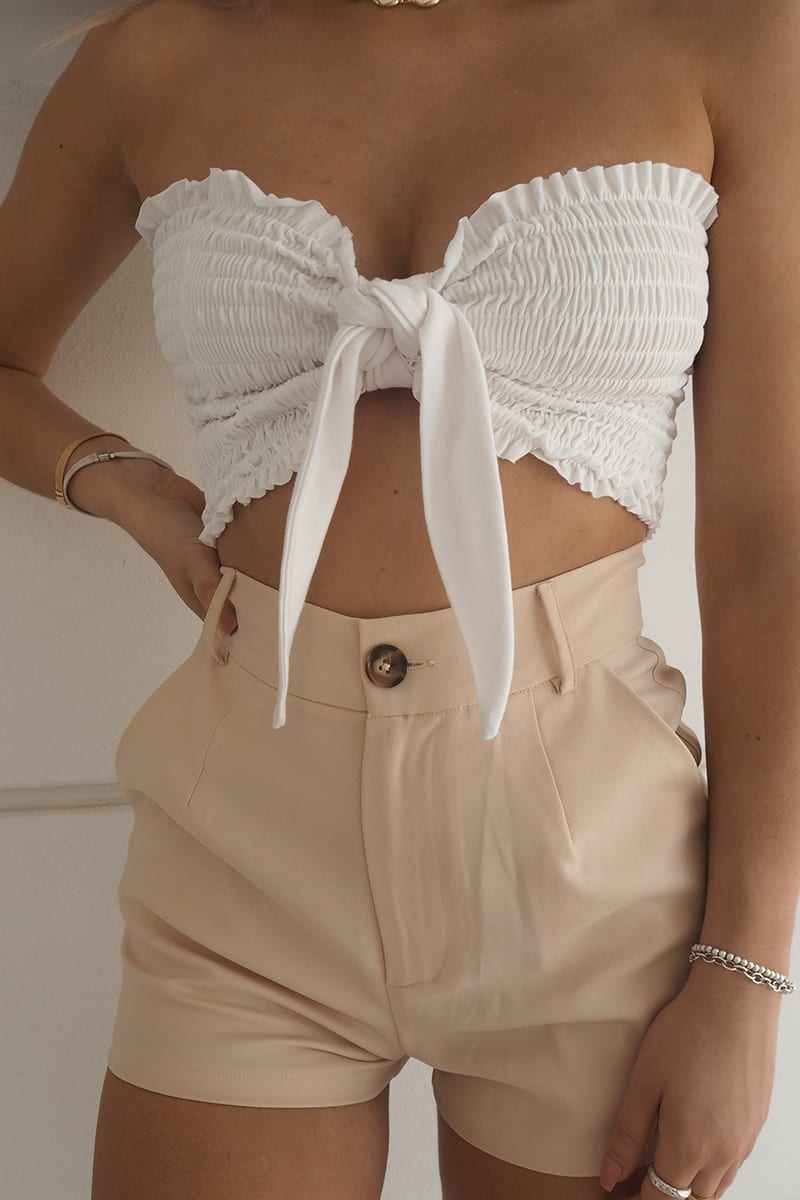 FASHION INFLUX WHITE TIE FRONT SHIRRED CROP TOP