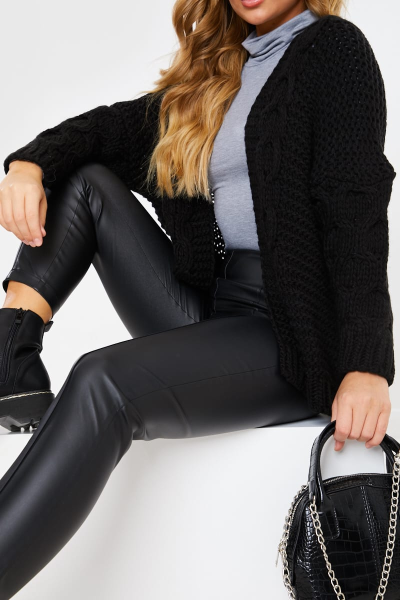BLACK CHUNKY CABLE KINITTED CARDIGAN
