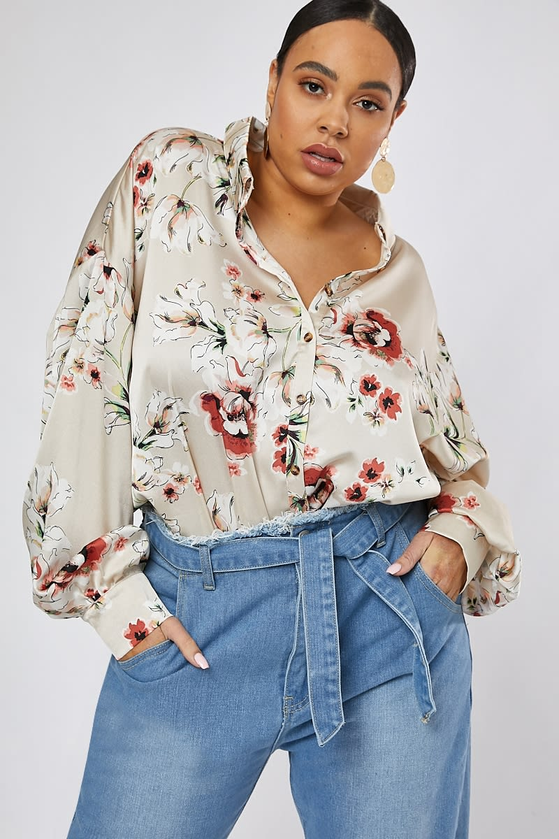 63bf85b3 Curve Dani Dyer Nude Floral Print Oversized Shirt | In The Style
