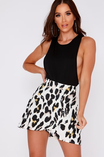MADALYN WHITE LEOPARD PRINT SATIN ASYMETRIC SKIRT