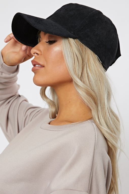 PLAIN BLACK CORDUROY CAP