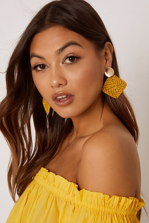 MUSTARD SQUARE EARRINGS