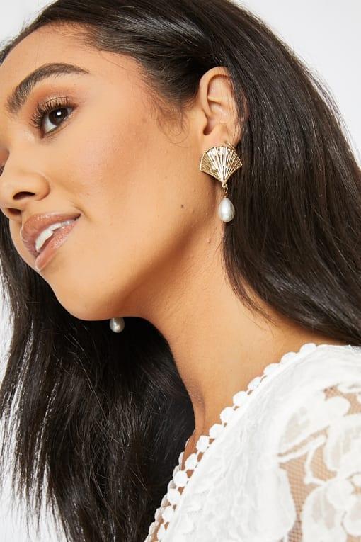 SHELL PEARL EARRINGS