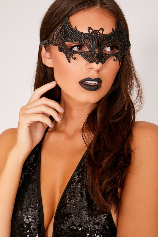 SHEBA BLACK LACE MASK