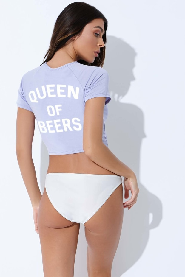 SARAH ASHCROFT LILAC QUEEN OF BEERS T SHIRT