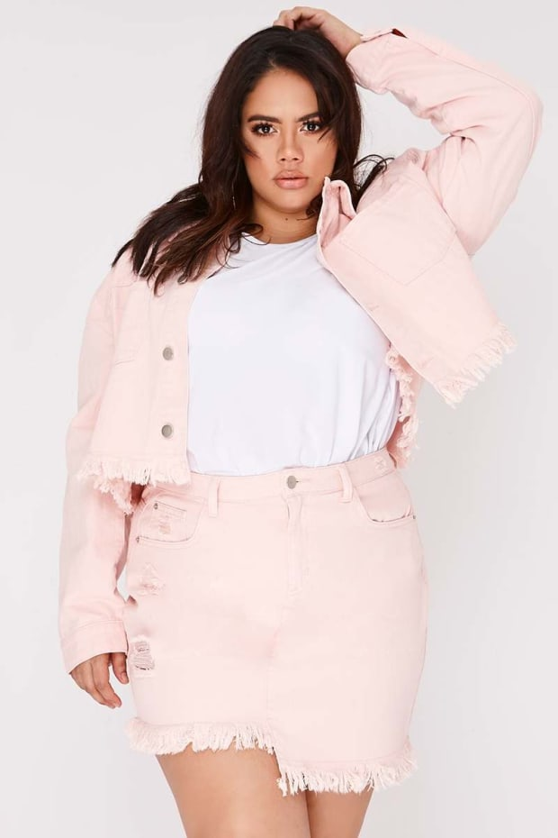 CURVE SARAH ASHCROFT PINK FRAYED HEM CROPPED DENIM JACKET