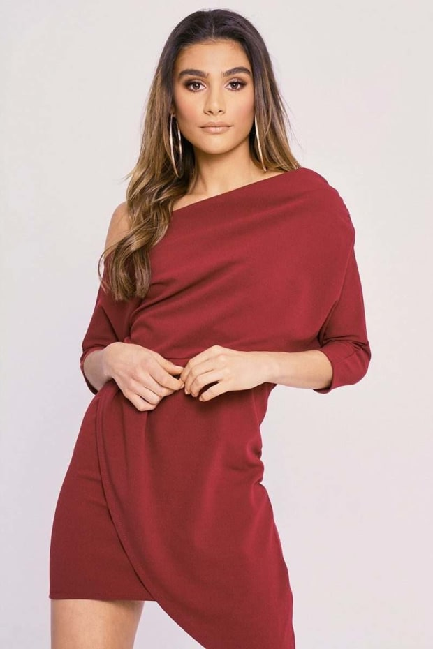 CHARLOTTE CROSBY WINE OFF THE SHOULDER ASYMMETRIC RUCHED DRESS